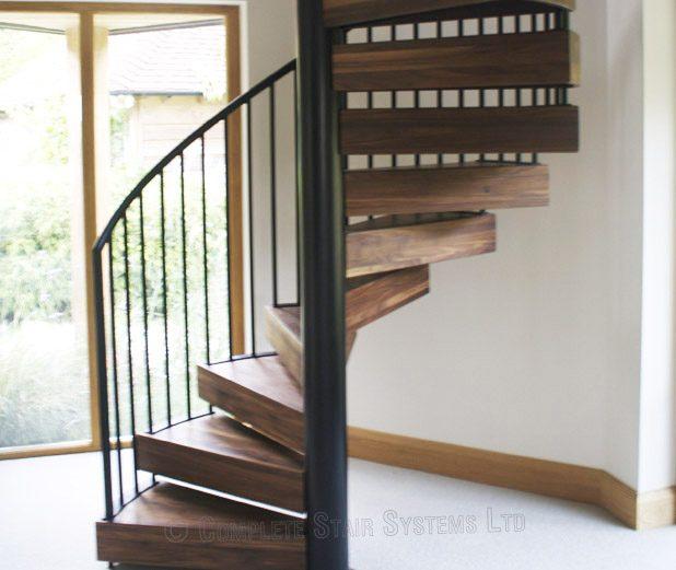 Merveilleux Bespoke Spiral Staircase Chichester