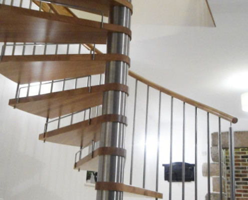 Spiral Staircase Jersey - Model 71