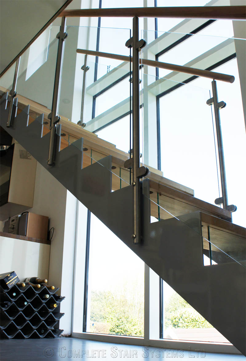 Bespoke Staircase Haslemere - Model 500