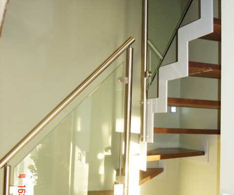 Bespoke Staircase New Forest With Steel Stringers