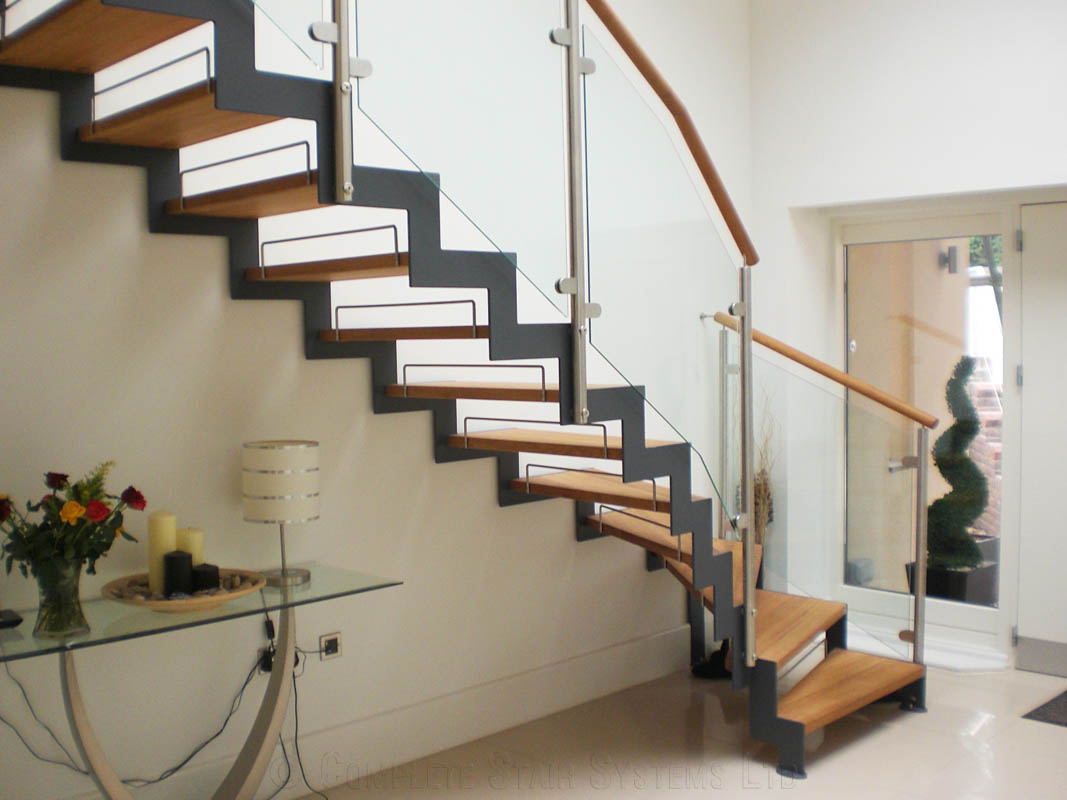 Bespoke Staircase Usk   Model 500