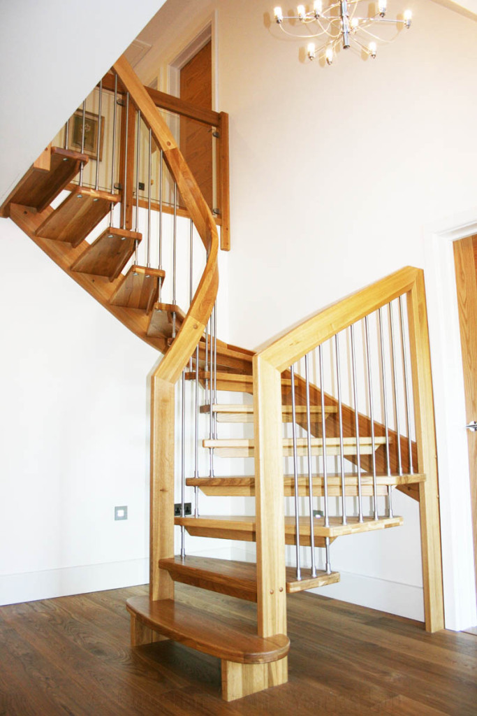 Timber Staircase In A Half Turn Stair In Lowestoft Click