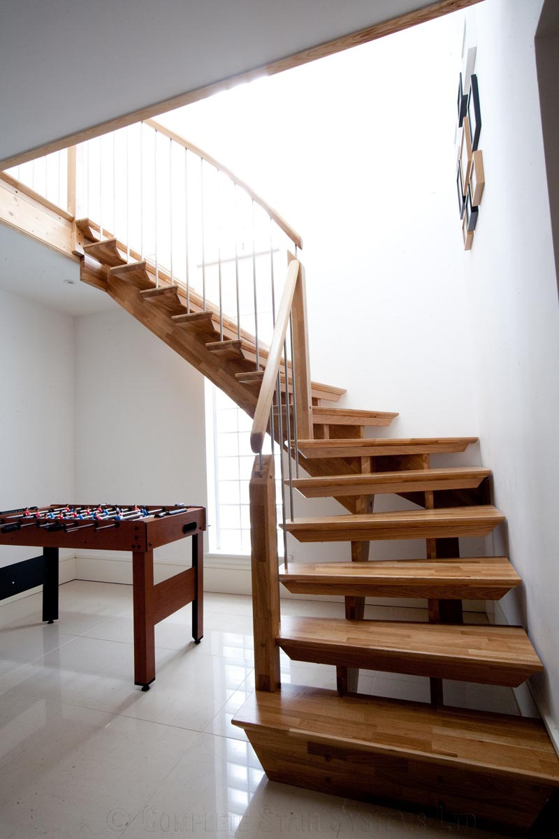 Superieur Bespoke Timber Staircase   New Malden Quarter Turn SPIRIT Style