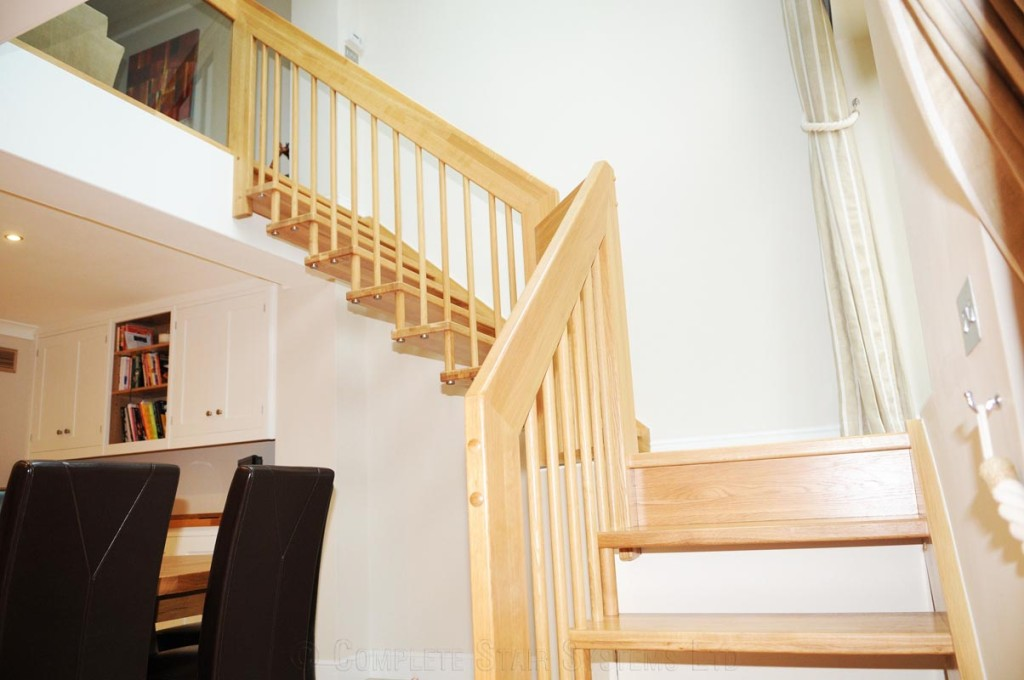 timber staircase teddington with floating treads