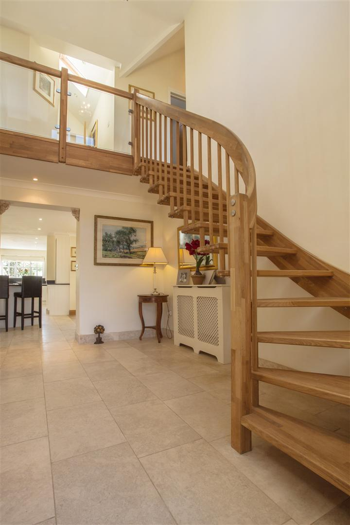narrow attic ideas - Open Staircase Bath