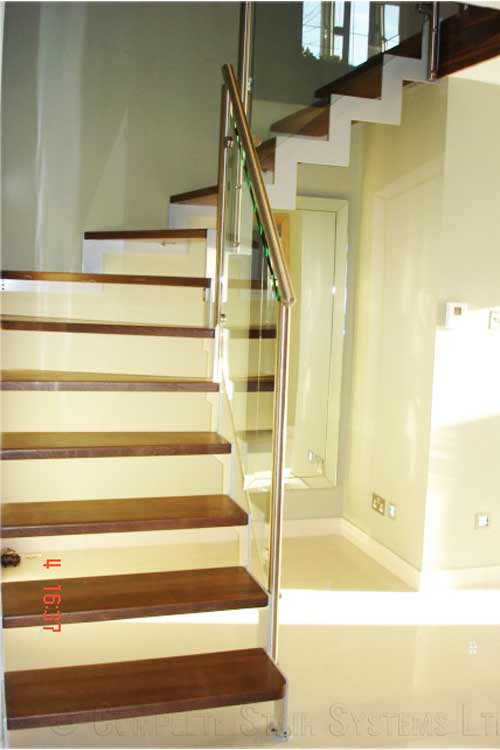 Bespoke-Staircase-New-Forest