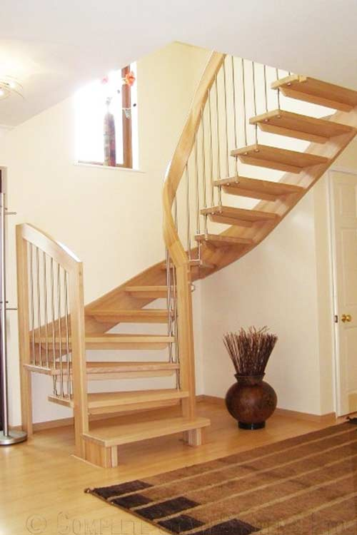 Floating-Timber-Staircase-Bude