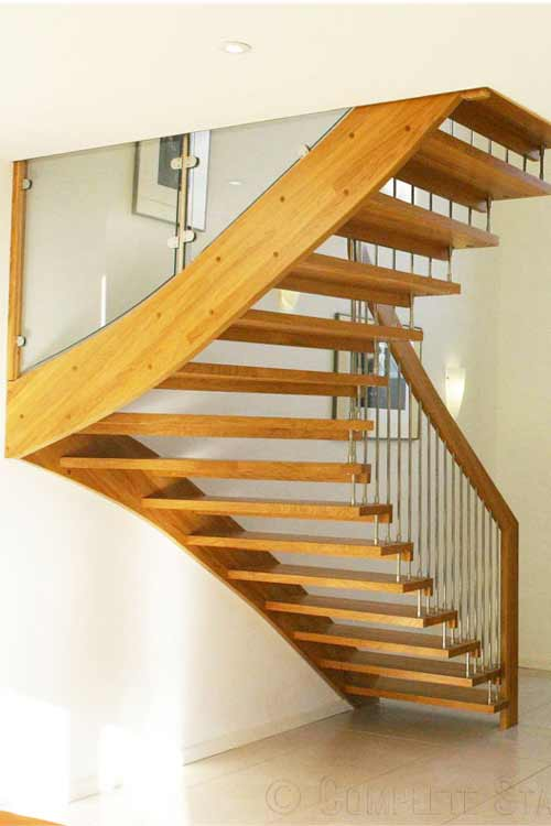 Floating-Timber-Staircase-Lyndhurst