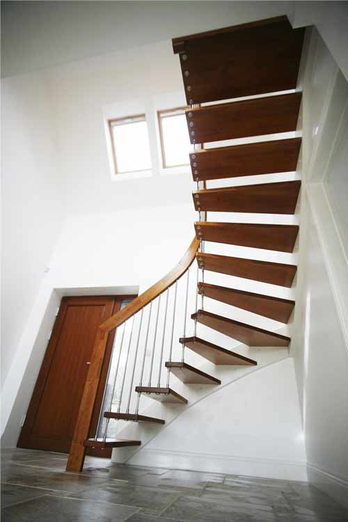 Floating-Timber-Staircase-Ringwood