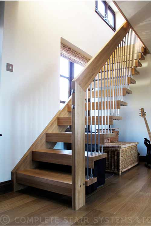 Floating-Timber-Staircase-Surrey