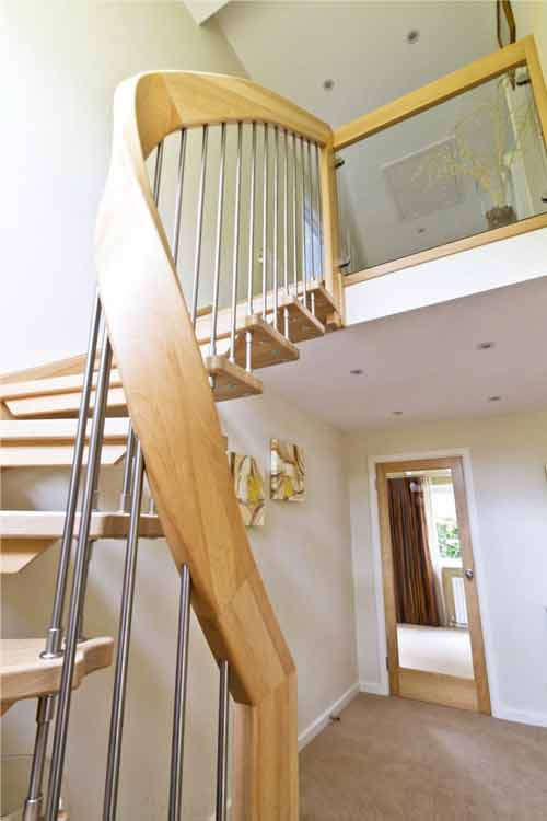 Floating-Timber-Staircase-Tadley