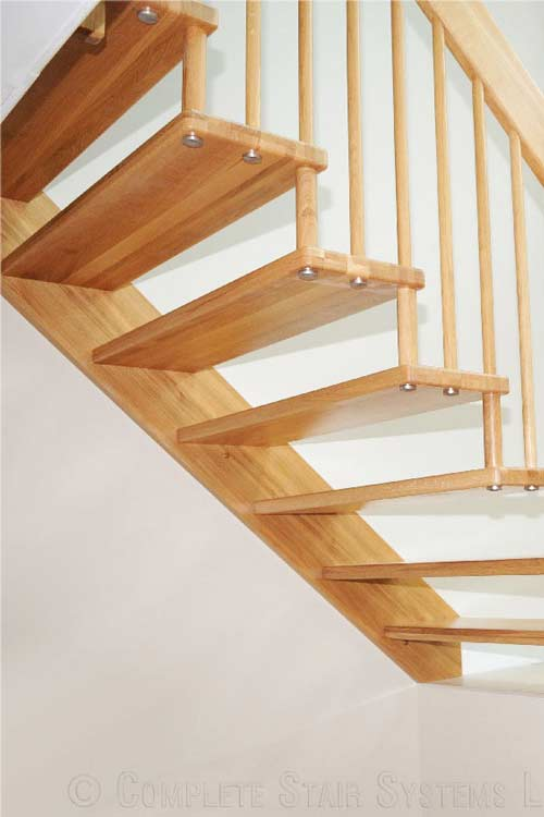 Floating-Timber-Staircase-Teddington