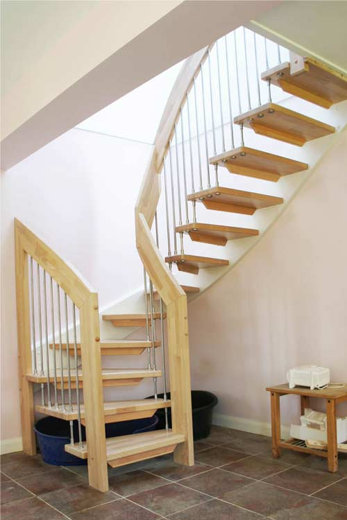 Floating-Timber-Staircase-West-Grinstead