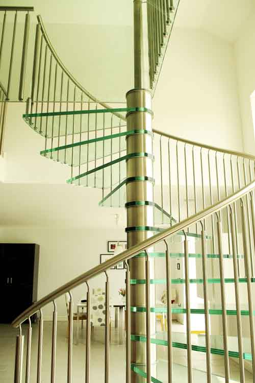 Glass-Spiral-Staircase-France