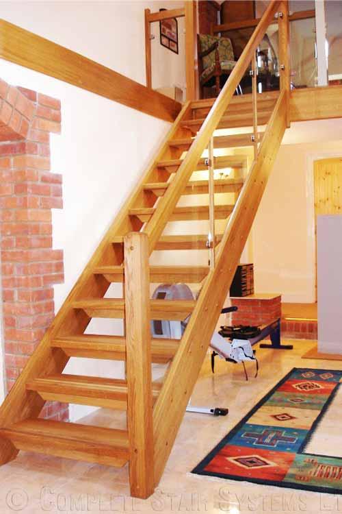 Modern-Timber-Staircase-Alton