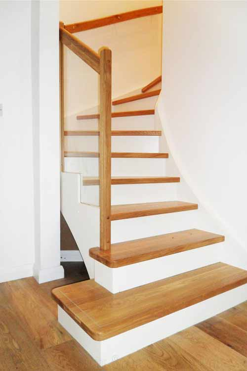 Modern-Timber-Staircase-Farnham