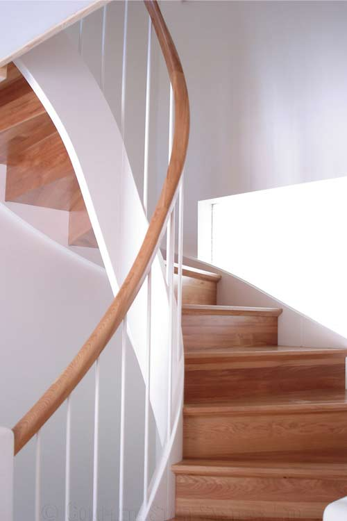 Modern-Timber-Staircase-New-Forest