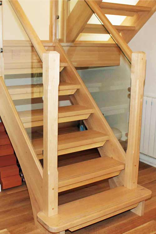 Modern-Timber-Staircase-Northwich