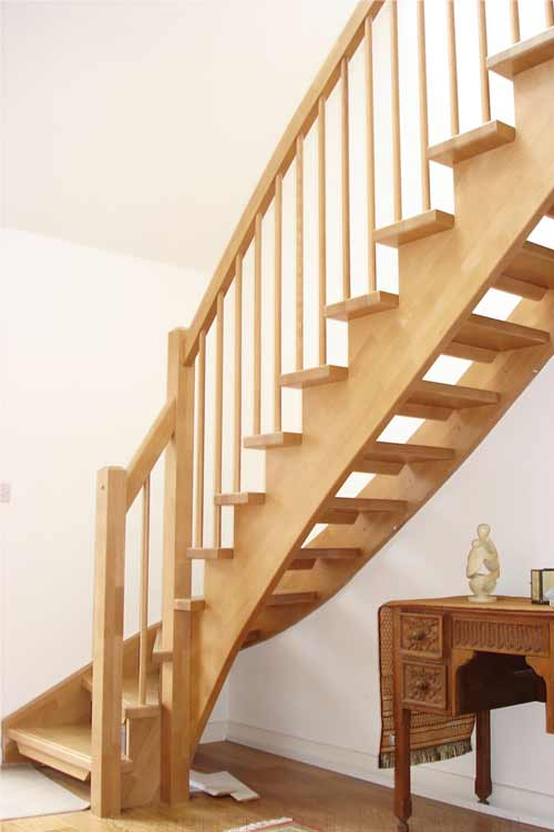 Modern-Timber-Staircase-Southampton-North