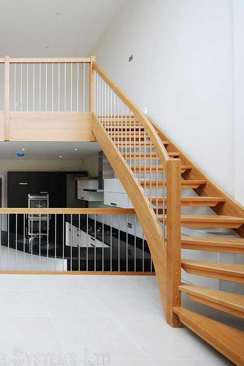 Modern-Timber-Staircase-West-London
