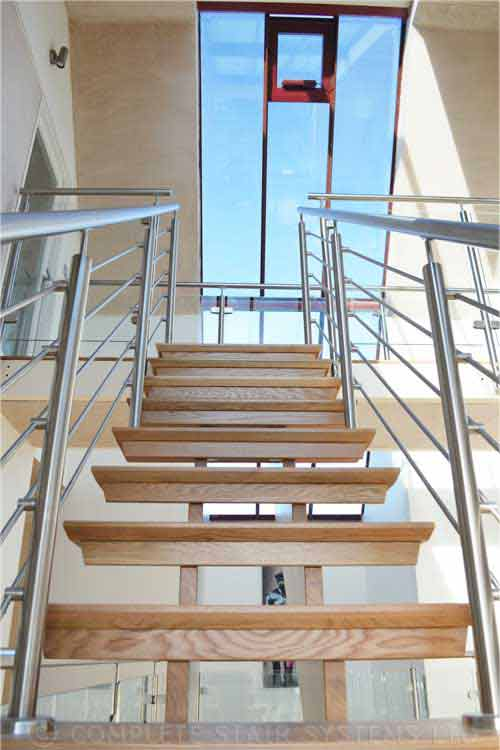 Modern-Timber-Staircase-West-Sussex
