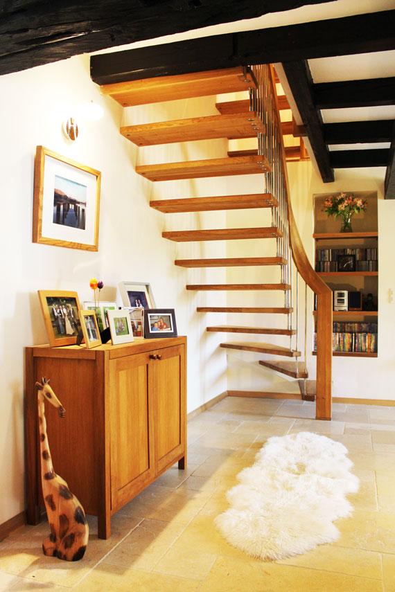 Oak floating staircase
