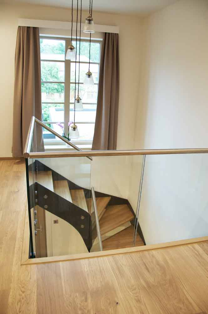Modern Staircase Bromley With Oak Treads And Glass Balustrade