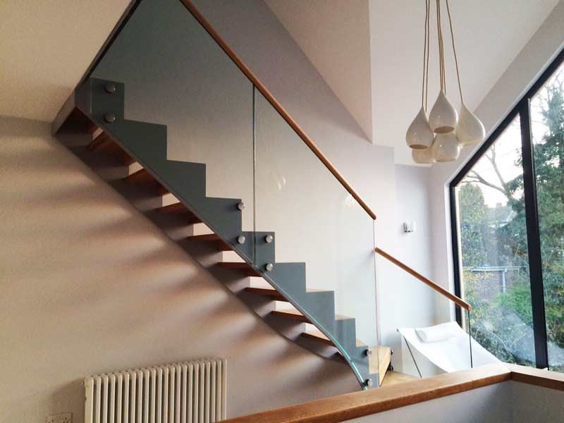 Modern Staircase Derby with solid oak treads and steel stringers