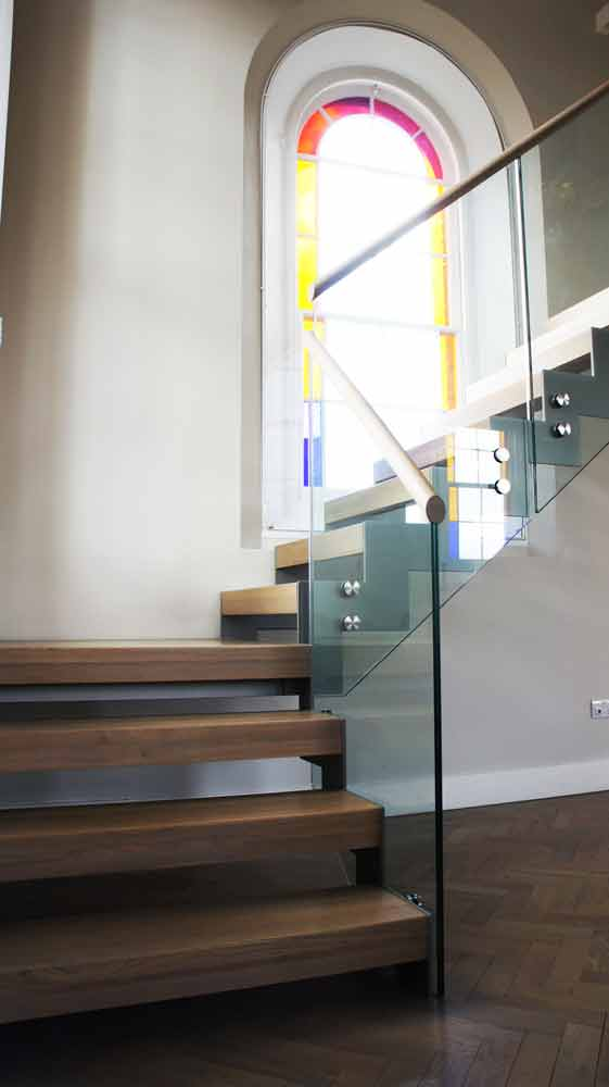 Modern Staircase Newbury In A Half Turn Configuration With