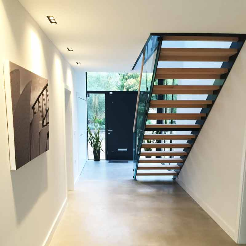 Lighting Basement Washroom Stairs: Modern Staircase Weybridge
