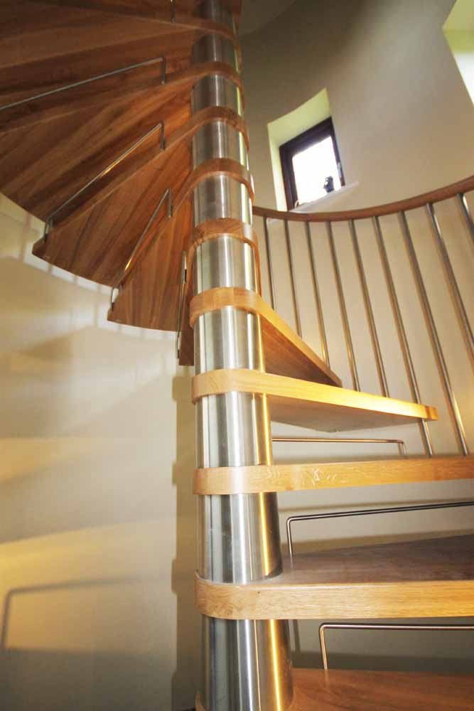 Spiral Staircase Bury With A 1800mm Diameter Model 71