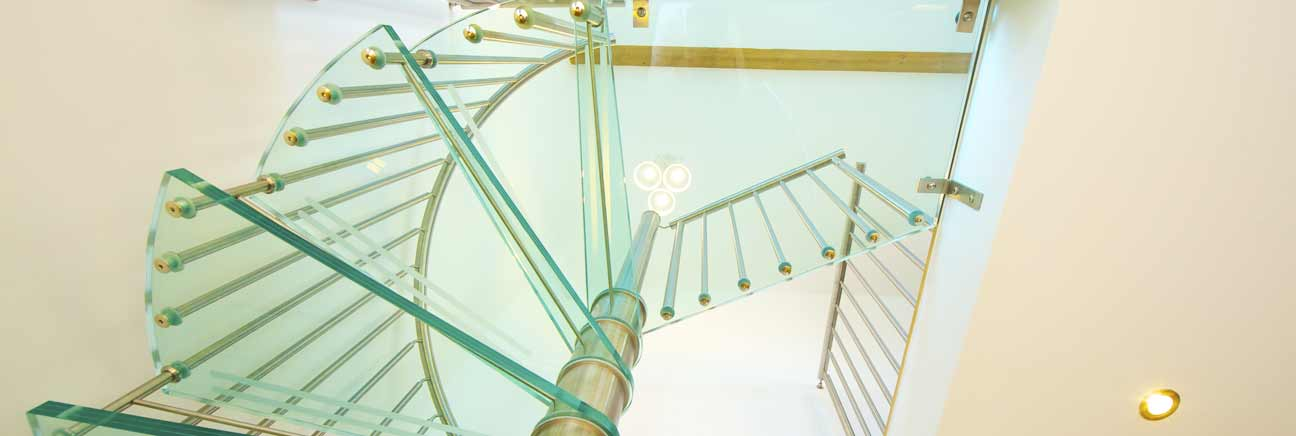Spiral staircase with glass treads